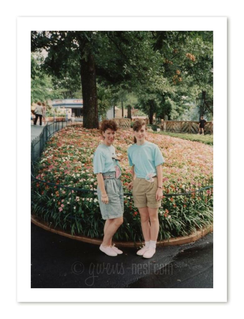 Mom & Gwen in 89