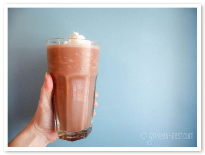 This sugar free chocolate milkshake will make you swoon!