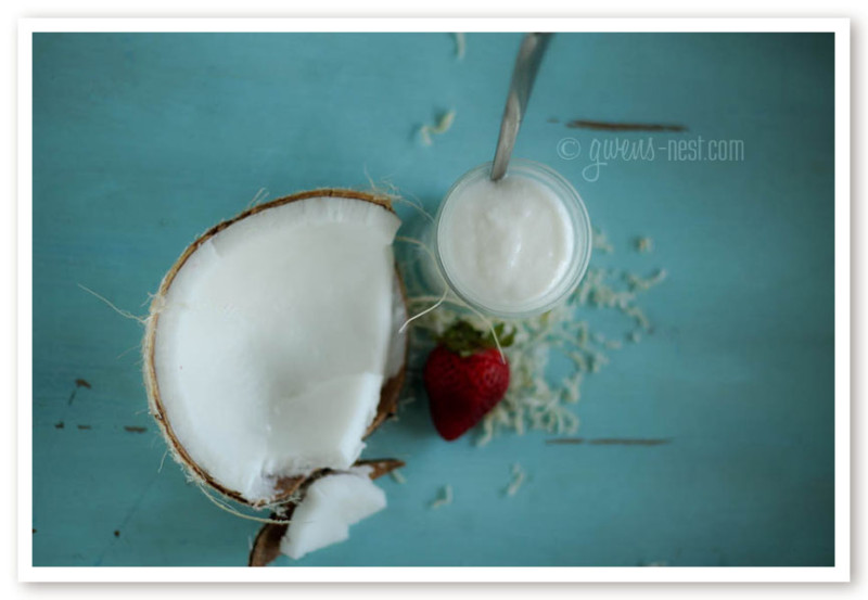 coconut yogurt recipe- an easy peasy recipe for dairy free yogurt with great texture!