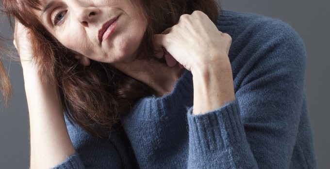 3 Common Symptoms of Thyroid Disease