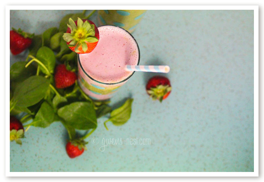 strawberry smoothie recipe (6 of 9)